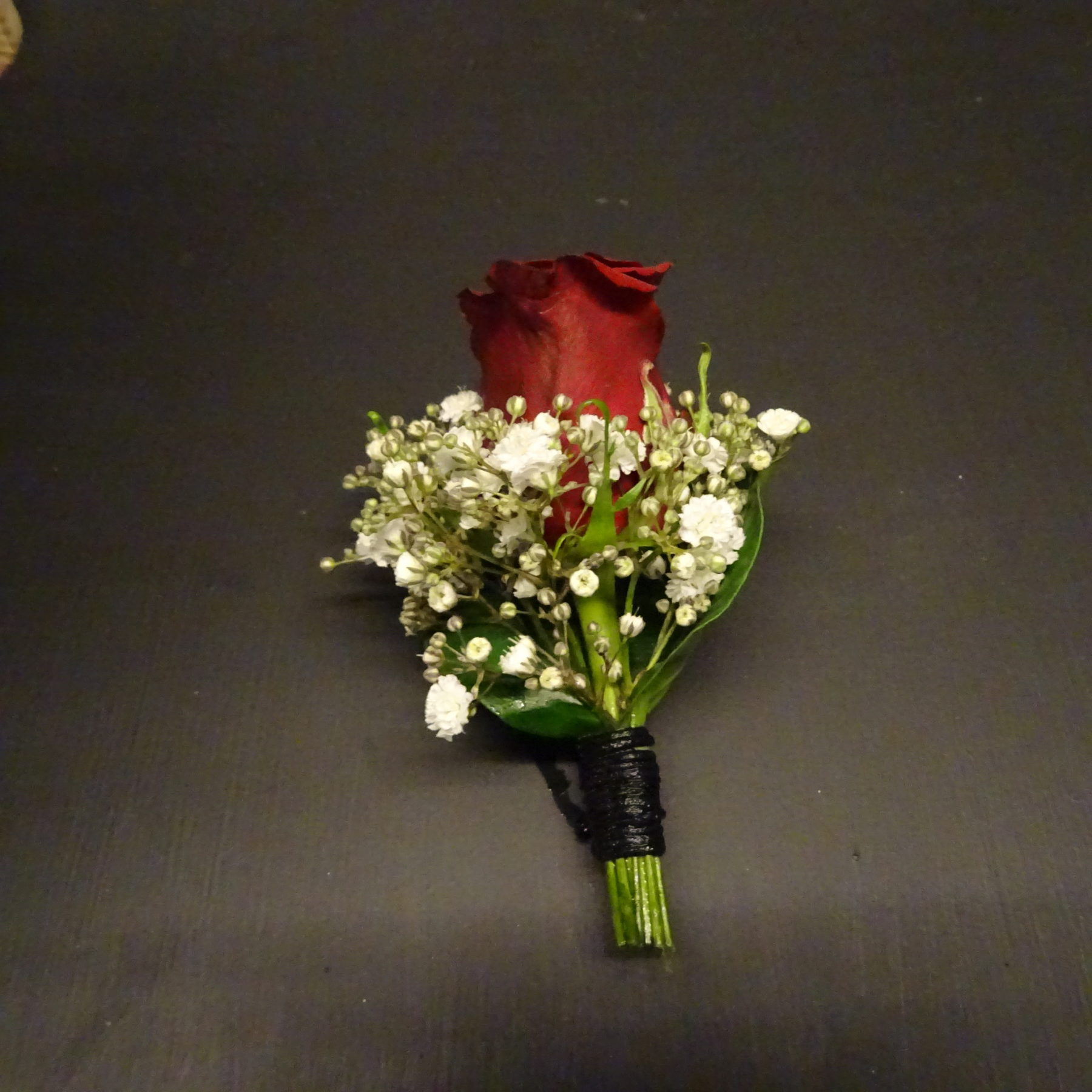 Anstecker zum Brautstrauß rot